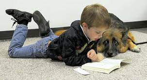 Dogs helping kids to read