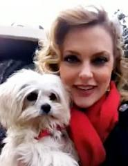 Elaine Hendrix is on Animal Radio®