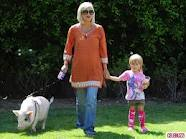 Tori Spelling and Pig